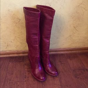 FRYE Rory Scrunch burnt red Boots Sz 7.5M woman's